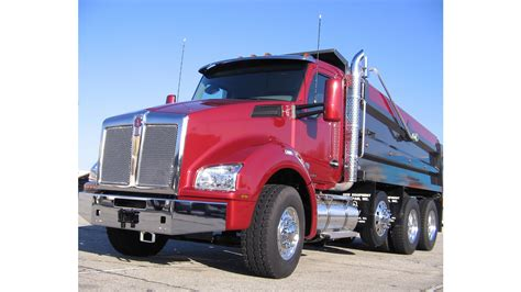 kenworth corporate kenworth displaying five new t880s at conexpo from