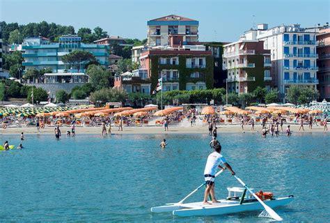 vacanze gabicce mare gabicce mare vacanze al mare tra marche e romagna