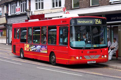 london bus routes route  hornchurch st georges