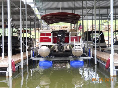 pontoon lift hydrohoist floating boat lifts and pwc lifts