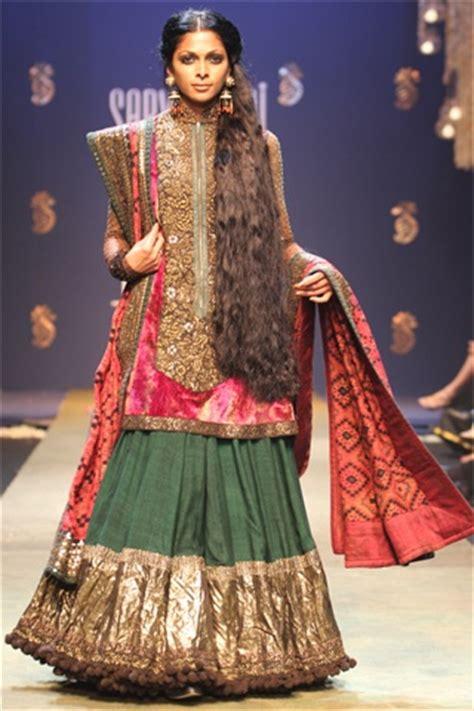 sabyasachi mukherjee indian fashion designer best latest fashion funda november 2012