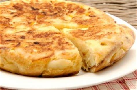 cara membuat omelet telur untuk diet resep membuat telur kentang omelet spesial resep harian