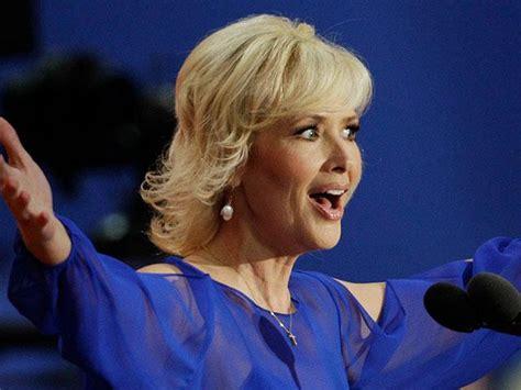 my spiritual walk janine turner conservative actress jeanine turner under fire for