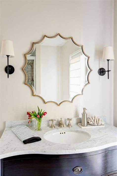 mirror in the bathroom 25 best ideas about bathroom mirrors on pinterest