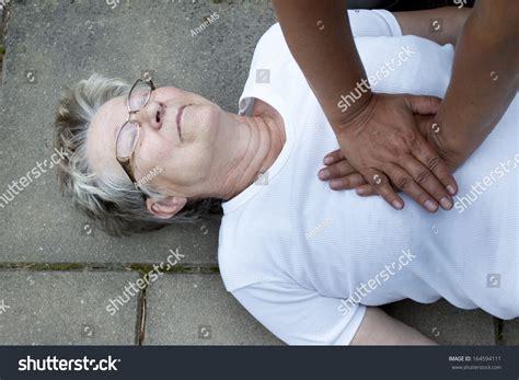 lade medicali senior lade cardiac arrest stroke receiving stock photo