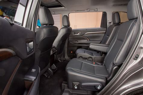 ford explorer captains chairs which 2016 three row suvs offer second row captain s