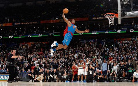 slam dunk look it s superman nba best all slam dunks espn