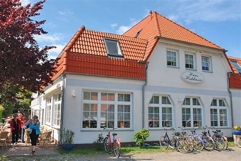 haus meerblick hiddensee gastst 228 tte pension restaurant in kloster insel