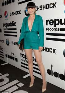 jessie j weight jessie j lets loose on the dance floor in plunging jade