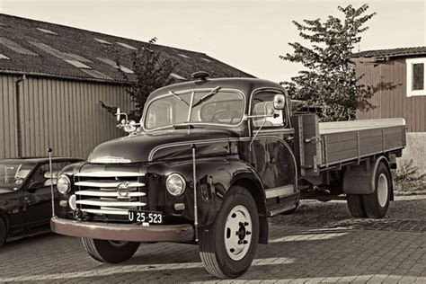 old volvo trucks pin by giannis pit on old trucks lorries and vans παλια