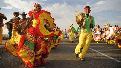 personas de colombia costumbres y tradiciones pueblo history
