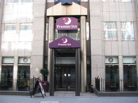 london tower hill premier inn access in detail information for premier inn london city