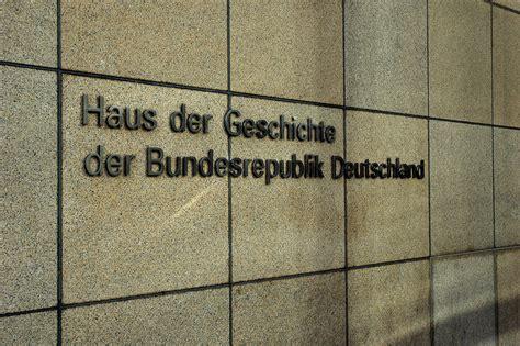 haus der deutschen geschichte bonn file eingang haus der geschichte bonn jpg wikimedia commons