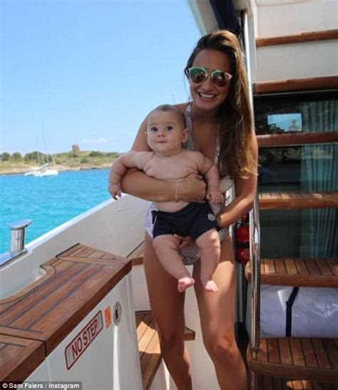 Dannielynns Baby To Be Revealed This Week by Sam Faiers On As A Working Daily Mail