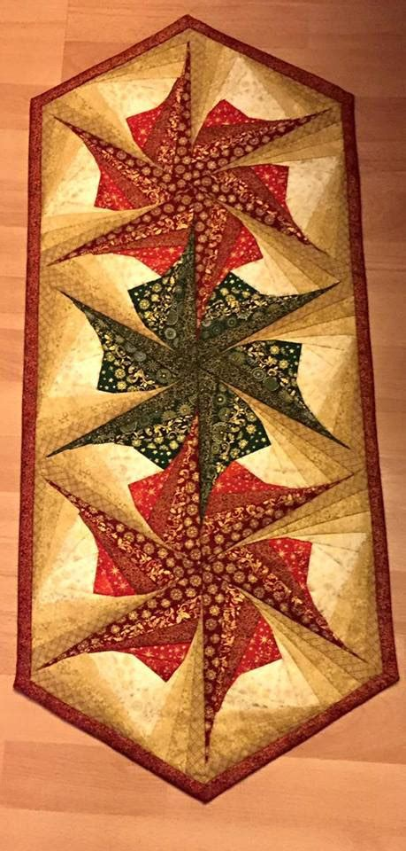 Twisted Log Cabin Quilt Pattern by Twisted Log Cabin Poinsettia Table Runner Pattern Table