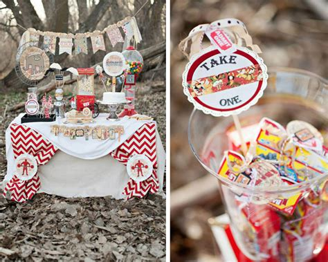 Party Big Top Theme On Pinterest Vintage Circus Circus Vintage Circus Centerpieces