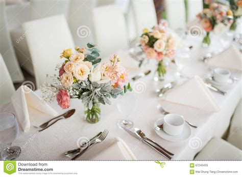 Flowers For Dining Table Dining Table Flowers Peenmedia