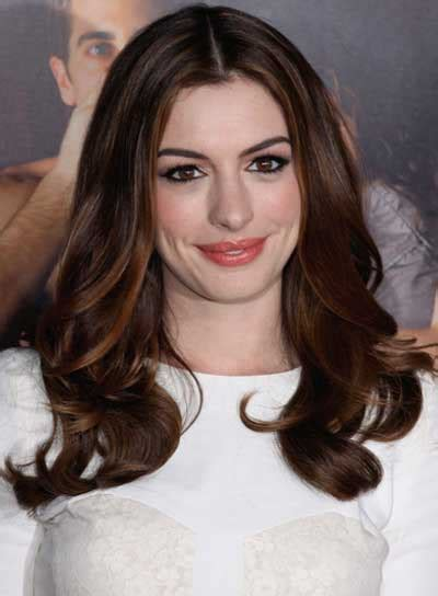 long brunette hairstyles beautiful hairstyles anne hathaway beauty riot