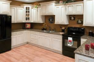 Bargain Kitchen Cabinets Faircrest Heritage White Kitchen Cabinets Bargain Outlet