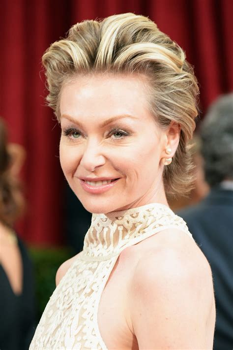 portia s portia de rossi at 2014 oscars zoom in on every glamorous beauty look from the oscars