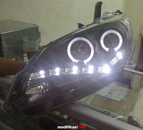 Lu Projector Honda Freed jual aksesoris honda freed cp robbi 081210365153