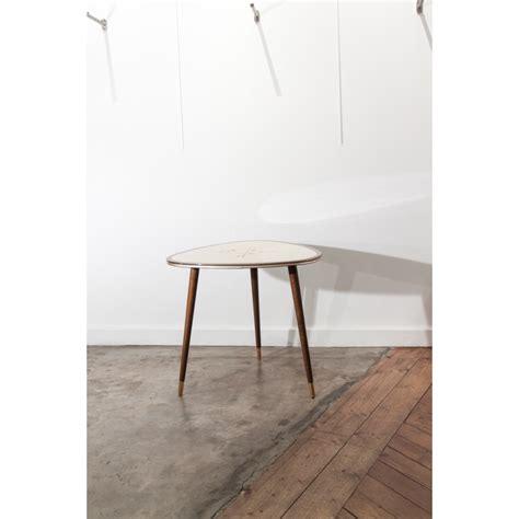 plateau bureau 2366 table basse triangulaire et tripode formica et bois