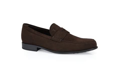 moccasins and loafers what are the differences between loafers and moccasins