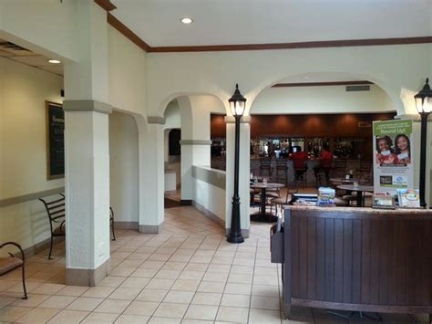 empty lobby picture of olive garden york tripadvisor