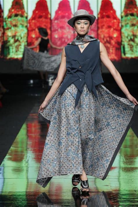 Batik Danar Hadi Pa 235 25 b 228 sta batik fashion id 233 erna p 229 kebaya