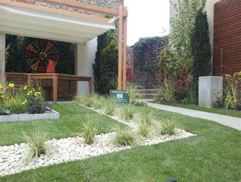 giardini con ciottoli giardini con ciottoli amazing pietre da giardino per