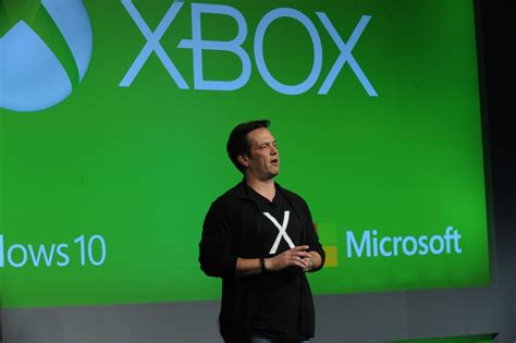 phil spencer apologizes for gdc party hosted by xbox game rant xbox head phil spencer apologizes for schoolgirl dancers