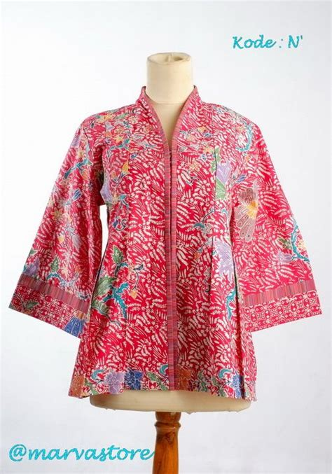 Batik Merah 1000 images about batik blouse dress on batik dress kebaya and indonesia