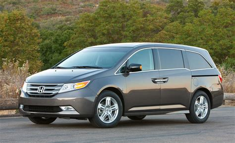 Honda Odyssey Touring by Car And Driver