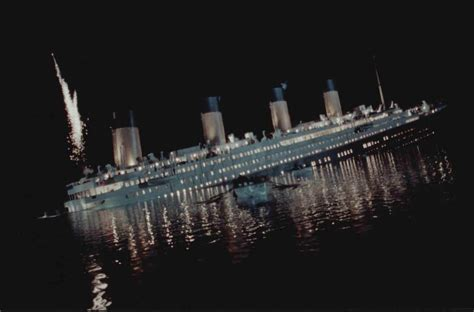 the sinking of the titanic 1912 why did the titanic a simple question with a
