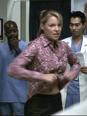 19 gifs of katherine heigl taking her clothes off