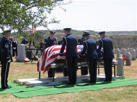 va national service help va national cemeteries honoring veterans caring for
