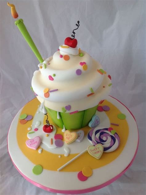 birthday cakes   birthday girl design dazzle