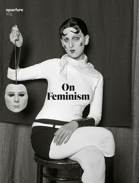 libro gillian wearing and claude renegotiating gender generations apart