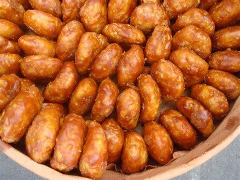 Tusukan Beras berbagai macam kue warisan khas pasundan infobdg