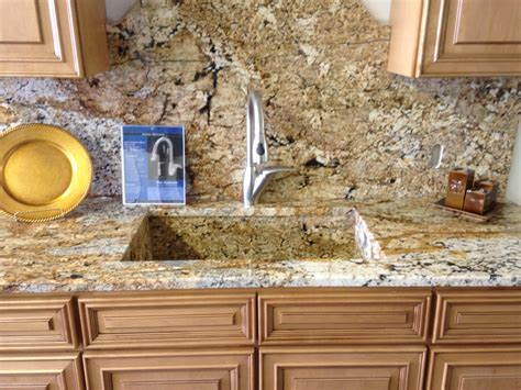 kitchen countertops and backsplash pictures backsplash ideas for black granite countertops and cherry