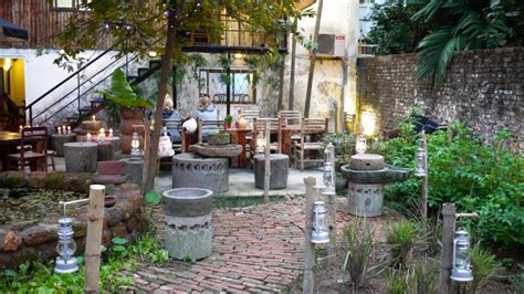 backyard beer garden backyard beer garden nightlife 187 bars tnh hanoi vietnam