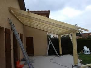 auvents bois pool house auvent cabane mr toiture