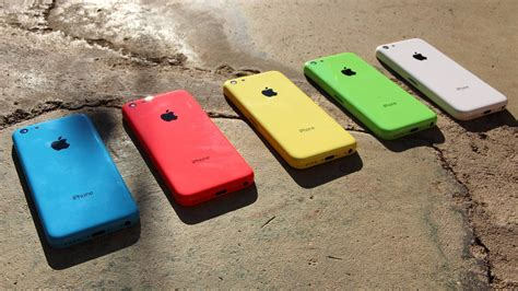 colors of iphone 5c new iphone 5c unboxing 5 lower cost iphone color rear