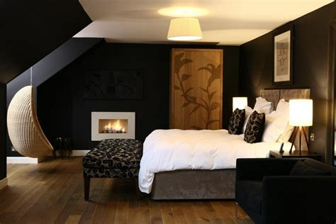 And Black Bedroom Walls by Delightful Bedroom Interior Design Ideas With Black Wall