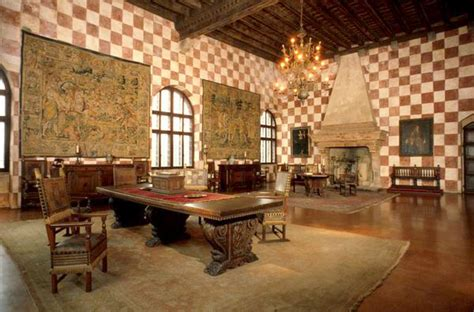 arredamento medievale the castle of monselice padua italy