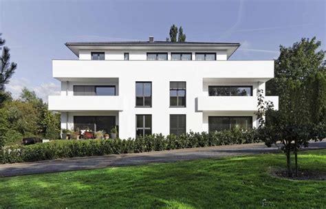 mehrfamilienhaus modern strahlend weiss mehrfamilienhaus in bad oeynhausen