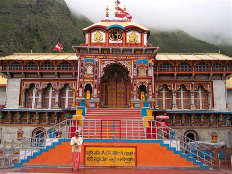 Badrinath Yatra By Helicopter Best Tour Packages   Charter