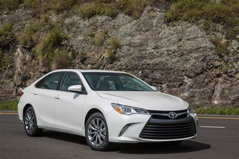 toyota camry 2015 2015 toyota camry i 4 first drive motor trend