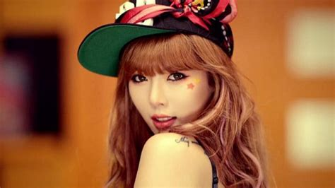 hyuna tattoo ice cream hyuna reveals bts video of ice cream soompi