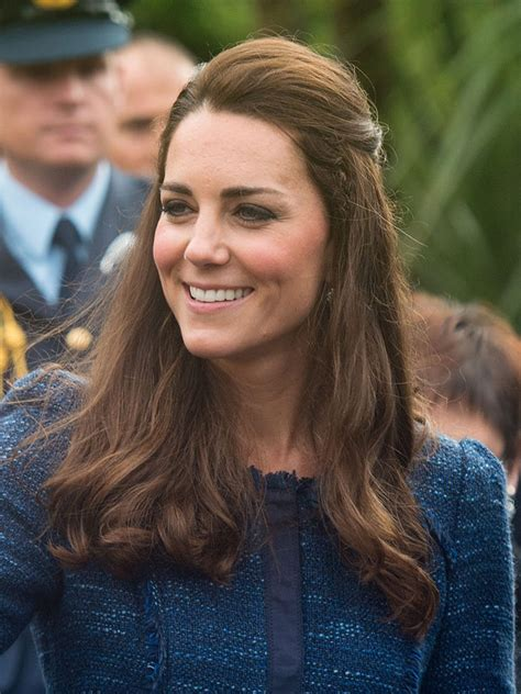 hair and makeup new zealand kate middleton in new zealand rain perfect hair makeup